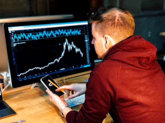 forex-trading-desk